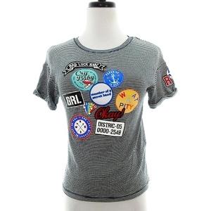 ベルシュカ Bershka Tシャツ カットソー 半袖 クルーネック 薄手 ワッペン 総柄 XS 黒 白 ブラック ホワイト トップス /MO レディース
