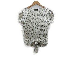 クイーンズコート QUEENS COURT シャツ ブラウス ドット リボン フレンチスリーブ 飾りボタン 2 白 ホワイト 黒 ブラック レディース