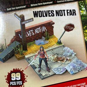ウォーキングデッド 路上のミショーンとゾンビ ジオラマ フィギュア Wolves Not Far McFarlane