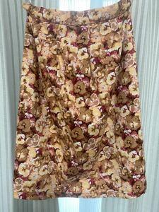 アダムエロペ 花柄スカート