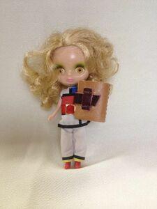 革 ハンドメイド 自由ノート 本 ブック プチブライス リカちゃん 人形の小道具に ドールハウス ミニチュア