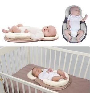 軽量ポータブルベビーベッド クーハン おむつ替えシート ベビーマット コンパクト 折りたたみ 赤ちゃん 乳児 新生児 YLH024
