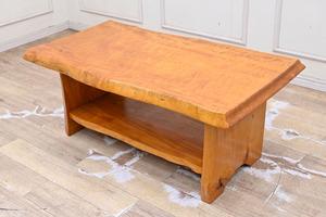 K258 緻密材 トチ 栃 縮杢 一枚板 センターテーブル リビングテーブル ローテーブル 応接 ソファー等に