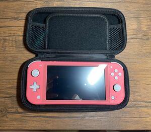 美品 無傷 任天堂 Nintendo Switch本体 Switchライトコーラルピンク 充電器/ケース/防護画面フィルム