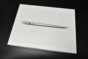 Apple MacBook Air 13 дюйм  A1466 2017    оригинальная коробка  только   бывший в употреблении товар    9-1