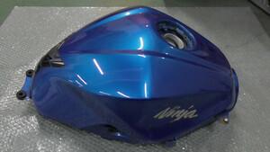 ニンジャ Ninja 250 EX250L-A28xxx の タンク 傷 凹み *1631165509 中古