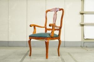 イタリア製 クイーンアン様式 アームチェア 木象嵌 ダイニングチェア 椅子 肘掛け アンティーク 鋲打ち クラシックo