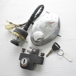 カワサキ 250SS S1F メインキー タンクキャップ シートロック 共通キーセット 【A】BDB