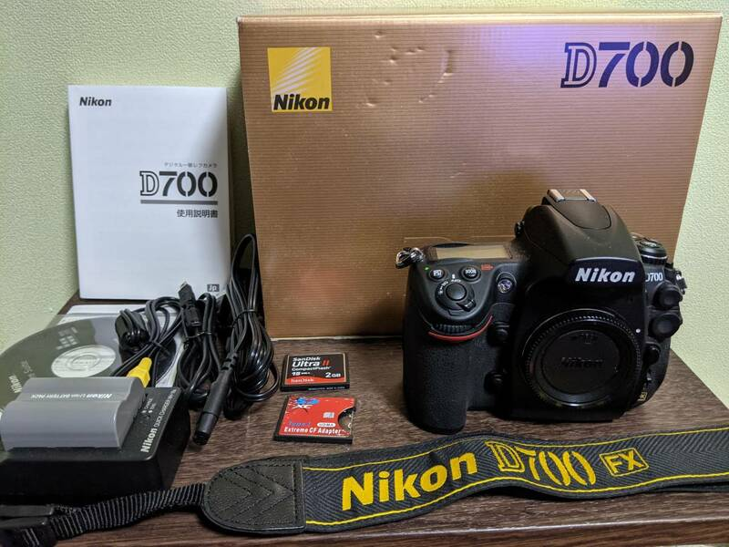美品 Nikon ニコン D700 ボディ 動作確認済 ショット數 2,700枚! おまけ SmallRig 速寫ストラップ付