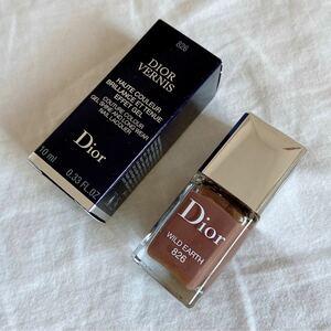 Dior美品ディオール ヴェルニ 826 WILD EARTH ネイルカラー