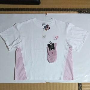 GU x 鬼滅の刃 竈門禰豆子 WOMEN Tシャツ 5分袖 (サイズL) & くつ下(23-25cm) 40%OFF 新品 未着