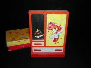昭和レトロ おもちゃの木のタンス 箪笥 ミニチュア ままごと 少女柄 女の子 70年代 ポップ 未使用品 検索 宇山あゆみ