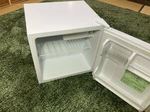 アイリスオーヤマ 冷蔵庫 45L 小型 静音 1ドア 右開き ホワイト IRR-A051D-W 2019年製