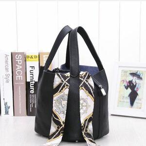 レザーバッグ ハンドバッグ トートバッグ 牛革 女性用 お洒落 鞄 バッグ スクエアバック 本革 トーゴレザー トートバッグ ブラック