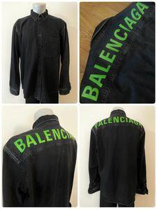 名作 本物 美品 BALENCIAGA バレンシアガ Rear Printed Denim Shirt ロゴ デニム シャツ ブラック ボタンダウン バックプリント 39