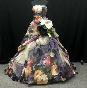 9~13号【KOKI】★黒地に花柄プリント★絵画をまとったようなシックで華やかなカラードレス (花&花台付)