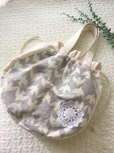 北欧柄白い鳥×アイボリーオックス*巾着型トートバッグ*ハンドメイド*