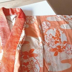 アンティークな風情の南天の長襦袢 絞りの半衿付き 正絹