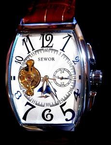 新品 手巻き付き自動巻機械式腕時計 メンズ サン&ムーントゥールビヨンデザイン 本革ベルトSEWORシルバーケース ホワイト 送料無料