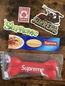 シュプリーム大阪店購入 Supreme FW21 Dog Bone トランプ ステッカーセット 非売品ノベルティードッグボーン犬骨AW21新品未使用赤タグ付き