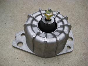 ! rare Alpha Romeo front engine mount 147 156 916 GT 2.5 V6 GTA 3.2 6V etc. genuine products number 60655868 60651417 corresponding!