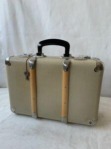美品 鍵2個付き施錠可 小振りなトランク旅行鞄カバン 古道具アンティークビンテージ昭和レトロ店舗什器インテリアディスプレイコレクション