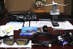 送料無料!お部屋がすぐに3D映画館!高輝度2800lm EPSON EH-TW530!使用時間少!100inchスクリ-ン/3D Blu-ray/3Dメガネ/天吊金具他サ-ビス