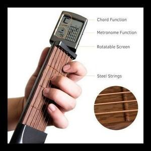【激安】便利 ポータブル ギター ポケットギター 練習ツール LCD楽器弦楽器 コードトレーナー ツール 初心者用 ギターアクセサリー