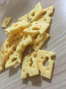 チーズ パーツ ハンドメイド 穴あきチーズ ピアス イヤリング 黄色 チーズチャーム チャーム 食品 サンプル JOYPOP*