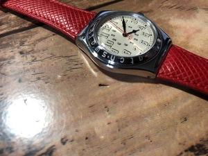 良品レベル レア swatch スウォッチ シャンパン系文字盤 シルバーケース 純正革ベルト AG1993 クオーツ ボーイズサイズ 腕時計