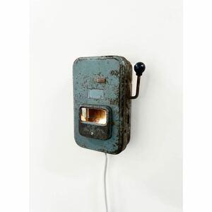 スイッチボックスのランプ アーティスト作製/アンティーク インダストリアル オブジェ おしゃれランプ