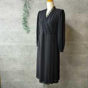 東京ソワール ブラックフォーマルワンピース 7号 長袖 透け感あり カシュクール ラップスカート プリーツスカート 春夏物 冠婚葬祭に