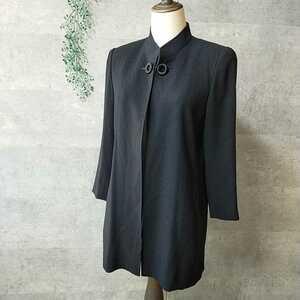 miss chloe ミスクロエ 黒のフォーマルロングジャケット 40 スタンドカラー 飾りボタン マニッシュ 梨地ジョーゼット 冠婚葬祭にも 女性用