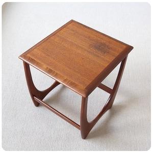 イギリス ヴィンテージ G-PLAN (ジープラン) サイドテーブル/ミッドセンチュリー家具【人気の北欧デザインシリーズ】Z-430