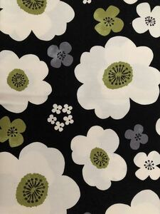 綿100% オックス プリント 生地 花柄 黒×アイボリー 手芸 ハンドメイド