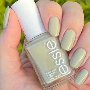 essie 1670 Cacti On The Prize