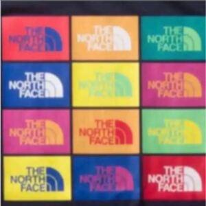 【未開封新品】ノースフェイス Tシャツ カラフル グラフィックロゴ 静電ケア設計 ネイビー色 メンズMサイズ 定価4620円