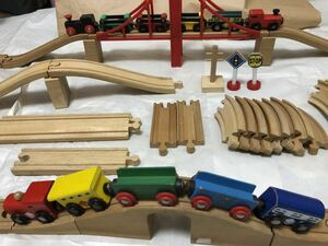 ☆BRIO ブリオ 木製レール 機関車 木のおもちゃ 送料込☆