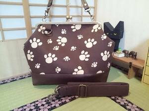 肉球 足跡 動物 アニマル 犬 猫 ブラウン 茶色 がま口 3way ショルダー バッグ ハンドメイド 手提げ 斜めかけ 和装 着物 長財布 入ります