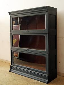アンティーク 黒く塗られた スライド扉のガラス本箱 本棚 食器棚 キャビネット レトロ ヴィンテージ ジャパニーズモダン