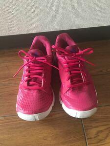【adidas】ランニングシューズ 23.5