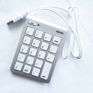 バッファロー BSTK08 テンキーボード シルバー iBUFFALO USB接続 Mac用