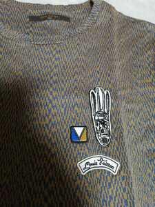 ルイヴィトン ルイヴィトンロゴガストンVワッペンカラコラム総柄デザイン半袖Tシャツ ルイヴィトンロゴワッペン半袖シャツ VIP
