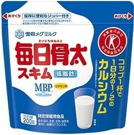 雪印メグミルク 毎日骨太 スキム 200g  【トクホ MVP 特定保健用食品 低脂肪】