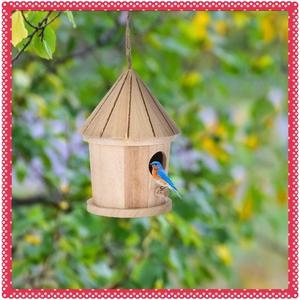 《★価格に大注目★》1円~ 庭木用ぶら下げ型の鳥の巣箱 小鳥を庭に呼び込める ev2v 木製でかわいいとんがり屋根型 ガーデニング