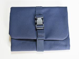 【中古品】 MUJI 無印良品 ポリエステル吊るせるケース小物ポケット (新)ネイビー・約12×18cm