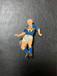 ハードロックカフェピンバッジ Hard Rock Cafe 「サッカー選手名古屋2002」