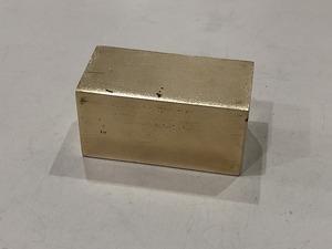 真鍮ブロック 68mm×35mm×35mm 真鍮板 黄銅板 端材 ・ハンドメイド素材【レターパックプラス520円】