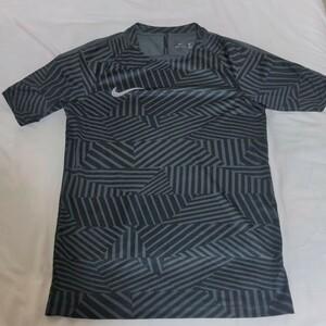 ナイキ トレーニングシャツ