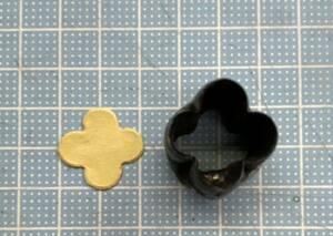 4枚花びら2センチの抜き型  オーダーメイド レザークラフト